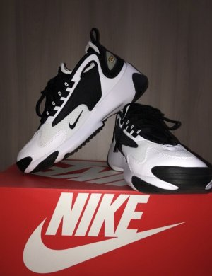 NEU • Nike Zoom-2K!Sneaker