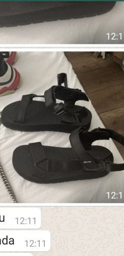 Prada Sandalias cómodas negro