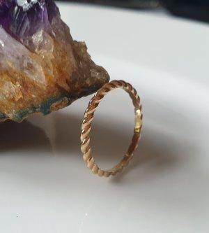 Złoty pierścionek piaskowy brąz