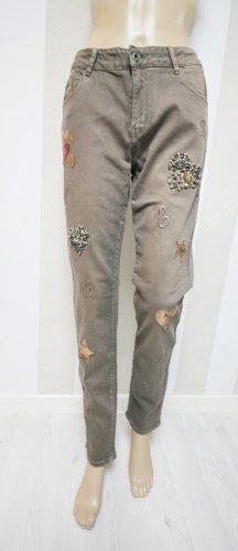 Pantalón de tubo marrón grisáceo