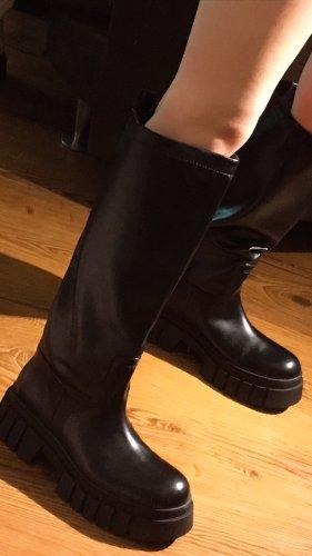 Zara Wysokie buty na obcasie czarny