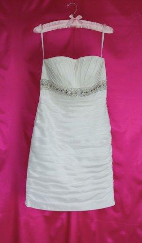 Neu: Standesamt Brautkleid, ohne Makel (NP: 299 Euro)