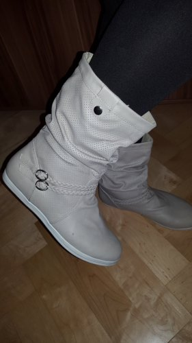 Halfhoge laarzen licht beige