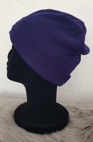 Chapeau en tissu bleu foncé