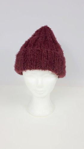 Handmade Chapeau en tricot bordeau-rouge mûre