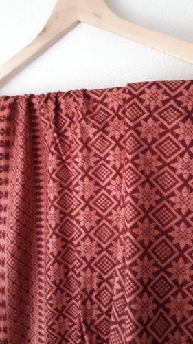 Six Châle au tricot or rose-violet