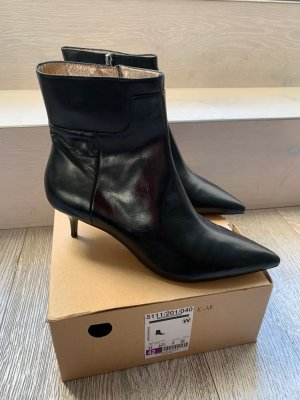 Zara Booties black leather