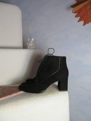 Elsa Nucci Patucos con cordones negro Cuero