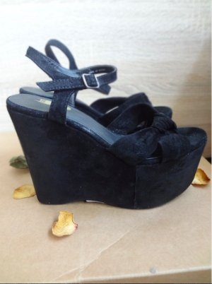 Urban Outfitters Platform Sandals black suede