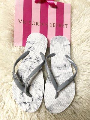 Neu Victoria's Secret Flip-Flops Schlappen Badeschlappen Marmor Optik