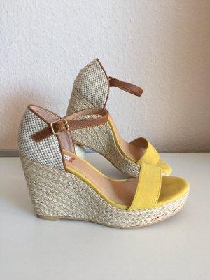 s. Oliver (QS designed) Sandały klinowe na obcasie żółty
