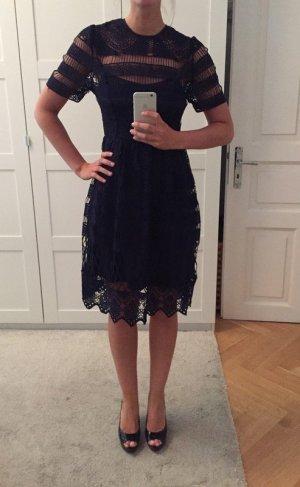 NEU Wunderschönes Kleid aus Häkelspitze