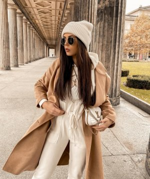 Neu Zara Oversized Mantel