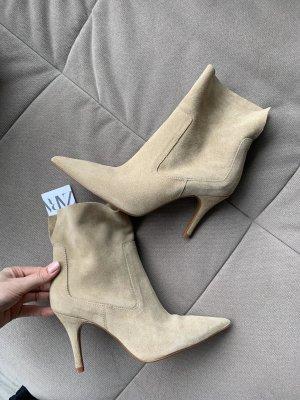 Neu Zara stiefeletten boots beige Wildleder Absatz spitz