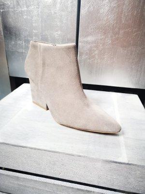 Neue Ankleboots von Zara Basic Gr 41 Stiefeletten Echtleder  stiefeletten Booties Stiefel Coachella