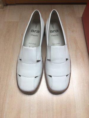 ara Slip-on Shoes white