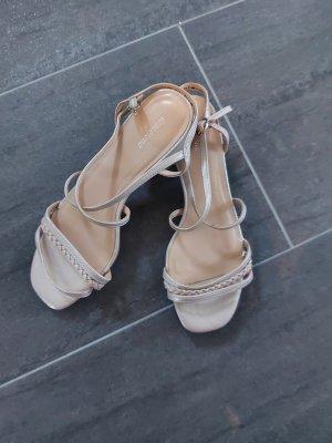 neue beige Sandalen