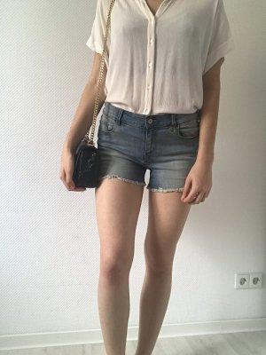Neue, blau, weiße Jeansshorts von ONLY