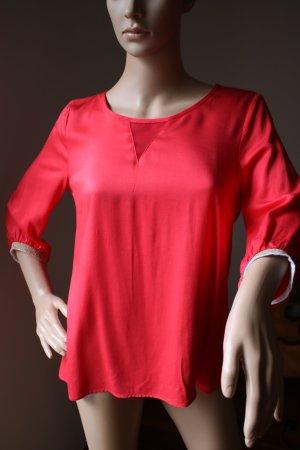 Neue Bluse rot, dreiviertel mit goldenem Abschluss von Comma Gr. 34