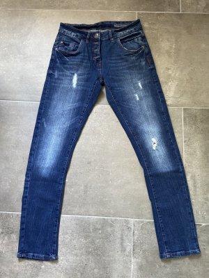 Neue Boyfriend Jeans in 36
