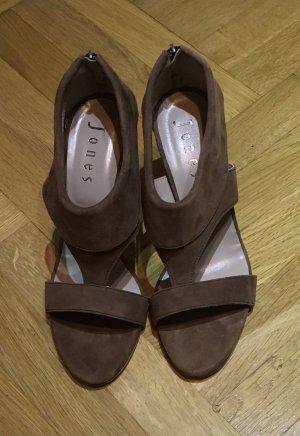 Neue braune Sandale von Jones