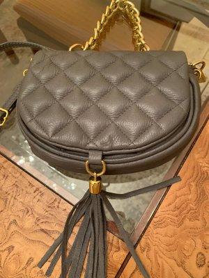 Neue braune Tasche