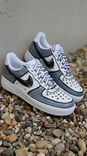 NEUE Custom Airforce1