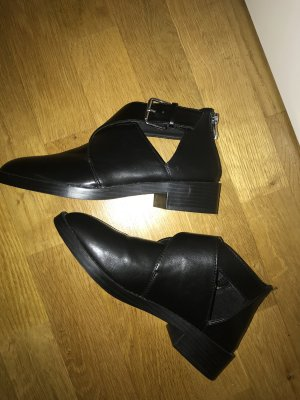 Pull & Bear Cut Out Booties black
