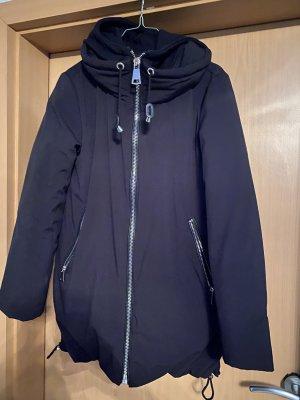 Neue Daunenjacke von Zara