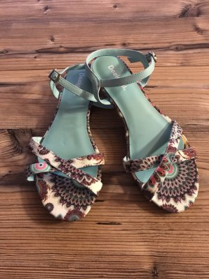 Neue DESIGUAL Sandale