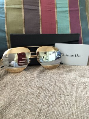 NEUE Dior split