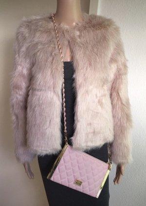 Neue Faux-fur-Jacke von H&M