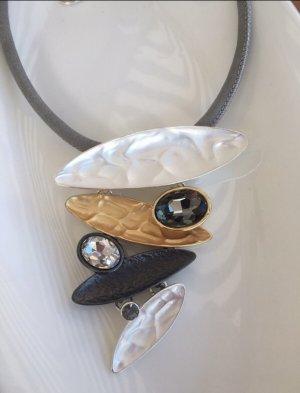 Neue Halskette