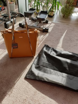 Neue Handtasche