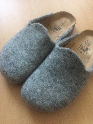 Pantoufles gris