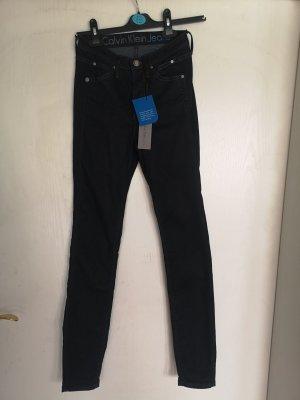 NEUE Jeans von Calvin Klein