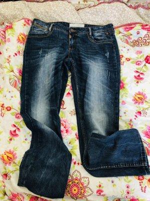 ** Neue Jeans von Timezone **