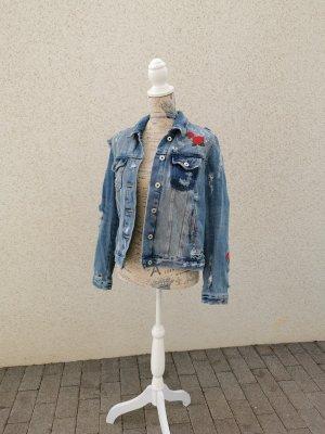 Neue Jeansjacke