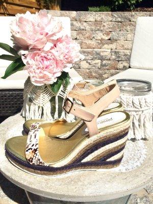 Neue Keilabsatz-Sandalen von pimientos