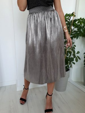 Falda plisada color plata