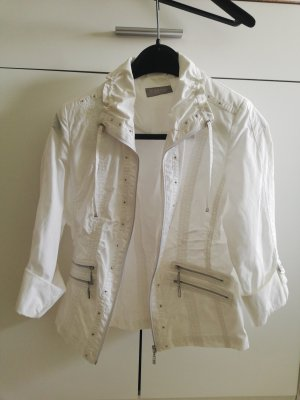 Neue kurze Jacke