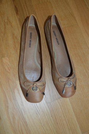 Gerry Weber Ballerinas with Toecap sand brown-brown leather