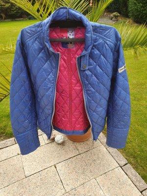 Neue, leichte Jacke