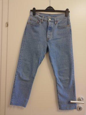 Neue Levi's 501 Crop Jeans 28/26 mit Etikett