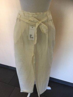 Neue luftige Hose