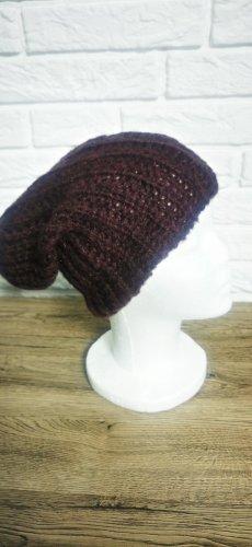 Bonnet violet-brun pourpre