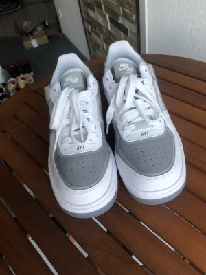 Neue Nike Air Force shadow grau 38