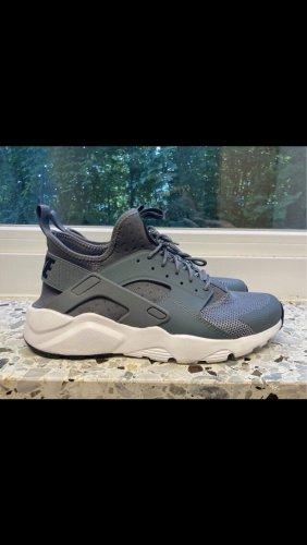 Neue Nike Huarache