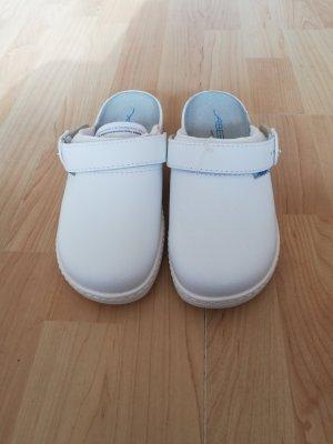 Scuffs white