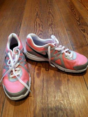 Neue, pink-silberne Nike Lauf-/Turnschuhe, Größe 38,5